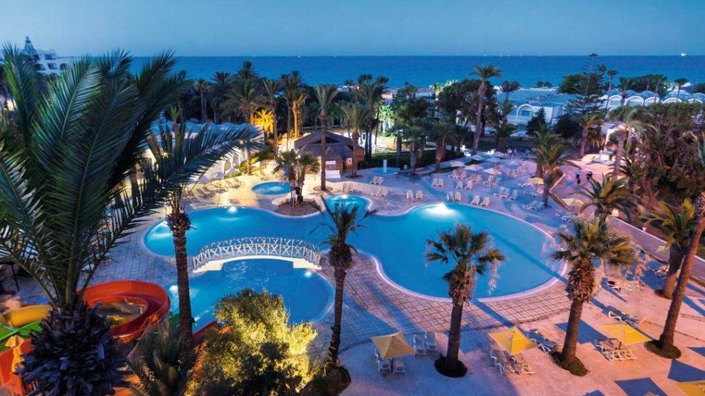 Продажу туров в Тунис