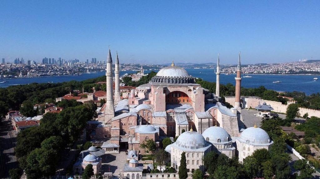 Турция вводит онлайн регистрацию въезда для иностранных туристов